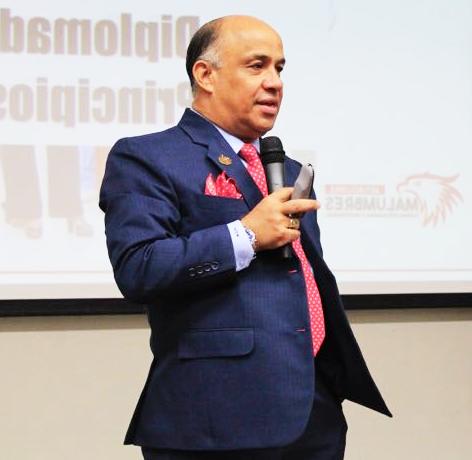 Sobre Arturo López Malumbres
